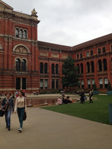 Victoria and Albert Museum-inside courtyard.